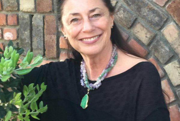 Photo of Rabbi Eva Robbins